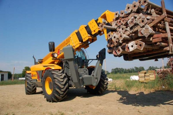 telescopic handler moving scaffolding