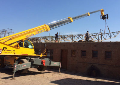 telehandler-roof-construction
