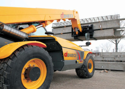 telehandler-heavy-lifts
